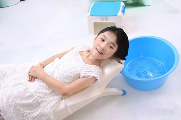 Ghế gội đầu cho bé