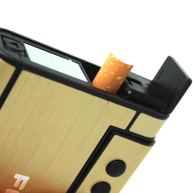 Bật lửa kèm hộp thuốc lá