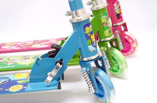 Xe-trượt-scooter-3-banh-phat-sang-5