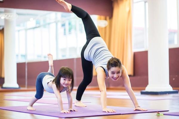 tham-tap-yoga-gia-re
