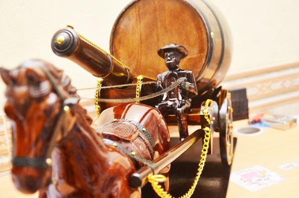 trống rượu xe ngựa