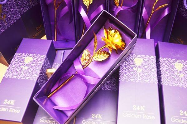 Hoa hồng dát vàng 24K