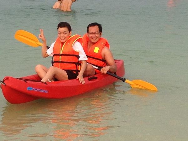 Chèo thuyền trên biển