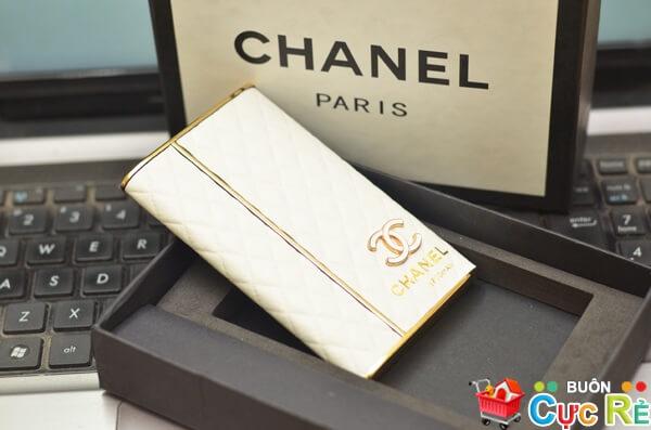 Sạc pin dự phòng Chanel