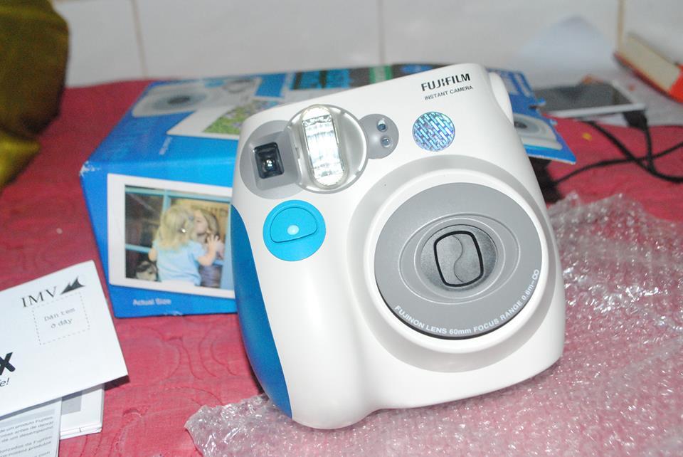 Máy Chụp Ảnh Lấy Ngay Fujifilm Instax 10