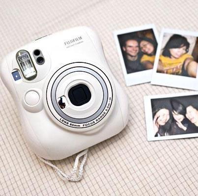 Máy Chụp Ảnh Lấy Ngay Fujifilm Instax 13