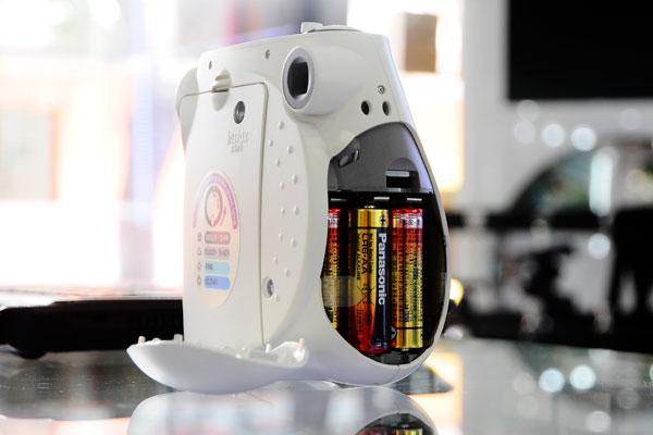 Máy Chụp Ảnh Lấy Ngay Fujifilm Instax 3