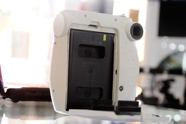 Máy Chụp Ảnh Lấy Ngay Fujifilm Instax 5