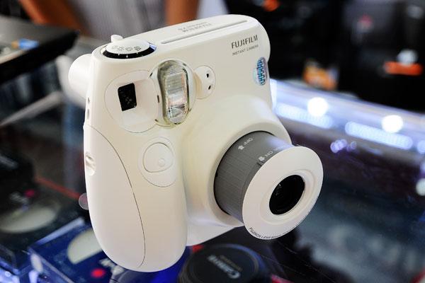 Máy Chụp Ảnh Lấy Ngay Fujifilm Instax1