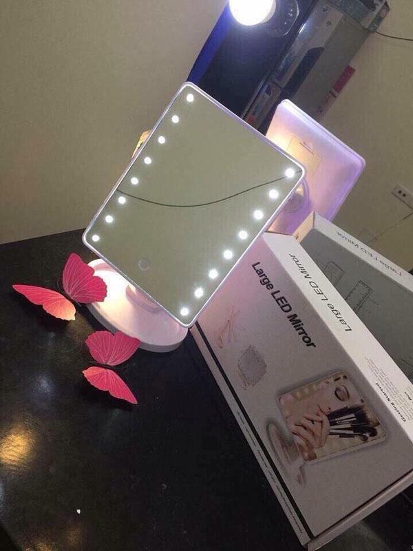 Gương để bàn có đèn led